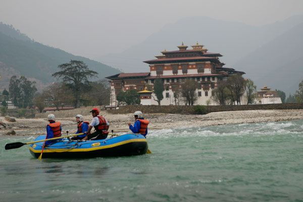 River rafting in Punakha