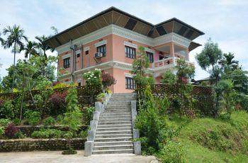Tashi Gasel Lodge